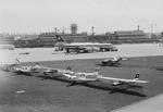 ETH-BIB-Diverse Kleinflugzeuge am Boden in Zürich-Kloten-LBS H1-027178.tif