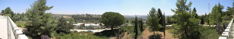 תצפית פנורמית על גוש עציון מגגו של מוזיאון כפר עציון