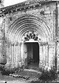 Eglise - Portail - Saint-Hilaire-la-Croix - Médiathèque de l'architecture et du patrimoine - APMH00035213.jpg