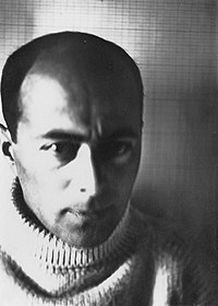 photo of Lissitzky as a young man, taken by himself