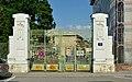 Entrance Schwenkgasse, Meidlinger Trainkaserne.jpg