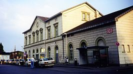 Stationsgebouw in 2005