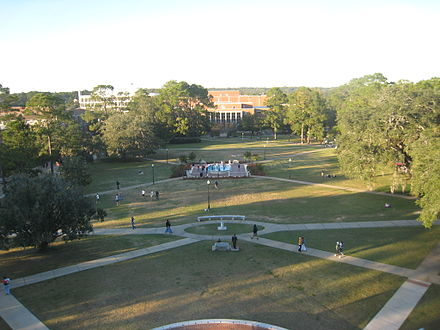 Landis Green is located in the center of the main campus FSU Landisgreen.JPG
