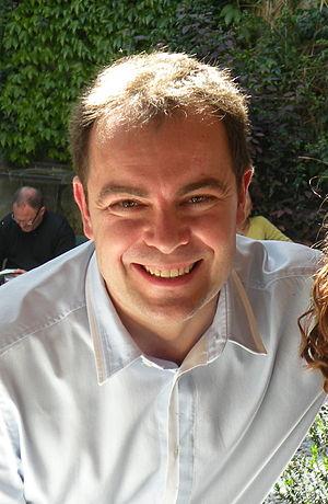 Sierra, Javier (1971-)