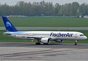 Fischer Air Polska Boeing 757-200.jpg