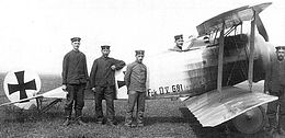 Fokker Biplane D.V G81 17, pilot, and flight crew (1916).jpg