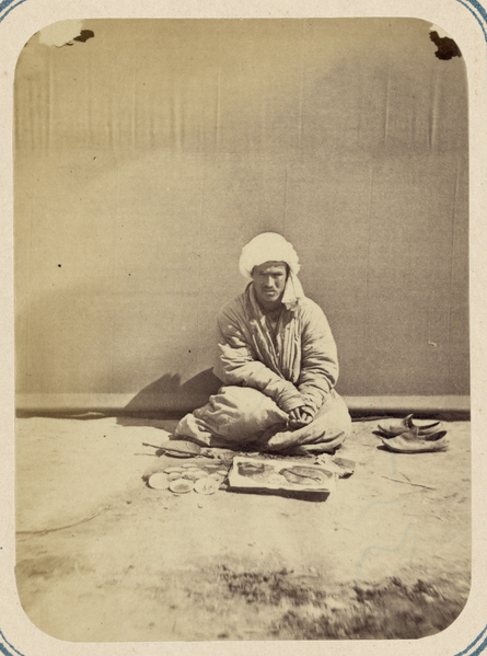 ملف:Folk Festival during Ramadan. Incense Vendor WDL10791.png