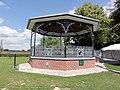 Fontaine-aux-Bois (Nord, Fr) kiosque à musique.jpg