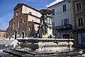 Fontana Monumentale e duomo di Faenza.jpg