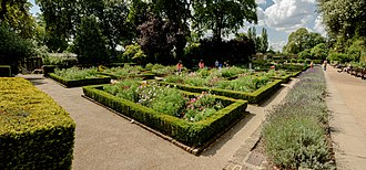 Holland Park - Image: Formal Gardens Holland Park London 6676 pano 2