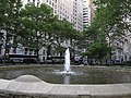 Fountain, Bowling Green, Manhattan, New York (7237065968).jpg