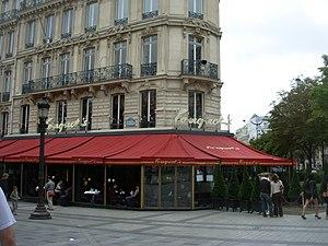 Fouquet's - Le Fouquet's as seen from the Champs Élysées avenue