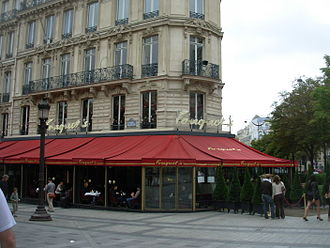 Fouquet's - Le Fouquet's as seen from the Champs Élysées avenue