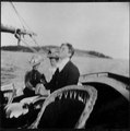 Franklin D. Roosevelt with two other unidentified women in Campobello - NARA - 196928.tif