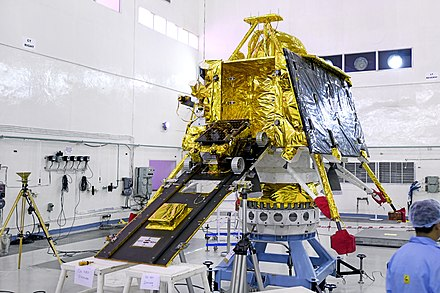 Rover Pragyan mounted on the ramp of Vikram lander GSLV Mk III M1, Chandrayaan-2 - Pragyan rover mounted on the ramp of Vikram lander.jpg