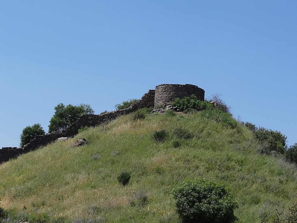 Gamla – Round tower and wall (4)