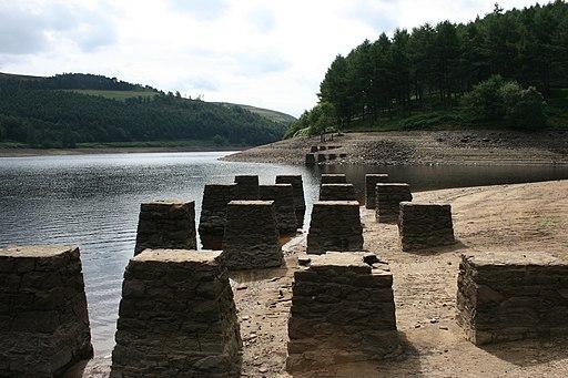 Gantry pillars at derwent looking south - panoramio