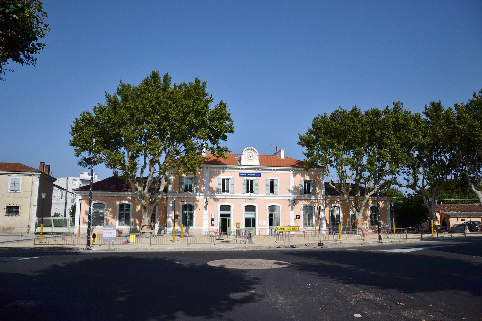 Gare de cavaillon wikip dia for Garage de la gare bretigny