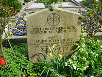 Grab Heinrich Albertz.JPG