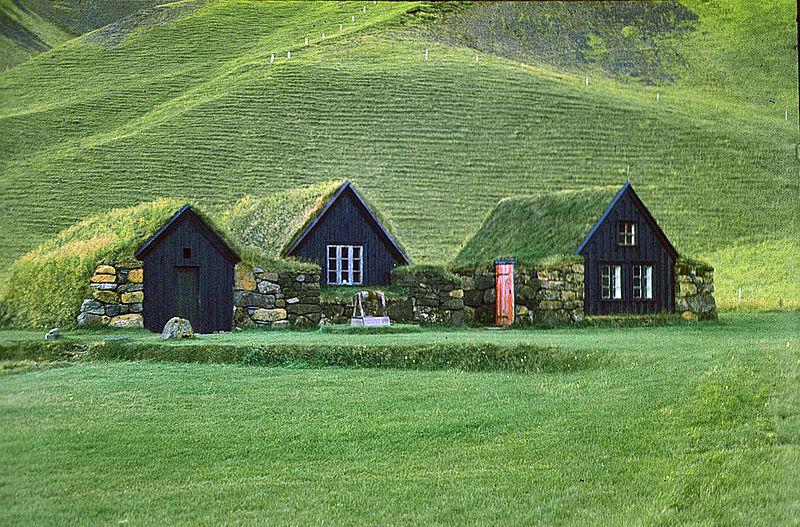 Lêer:Grassodenhäuser.jpg