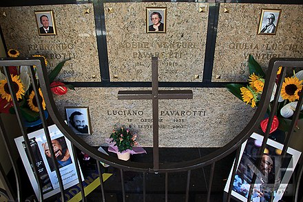 Grave of Luciano Pavarotti and his family in Montale. Grave of Luciano Pavarotti and his family.jpg