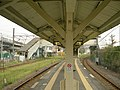Hama-Kawasaki Station Tsurumi-line-Platform-20100920.jpg