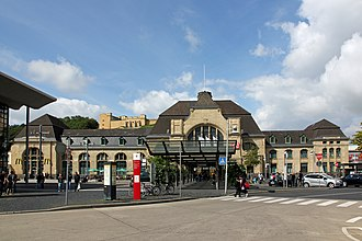 Koblenz Hauptbahnhof - Station building and station forecourt