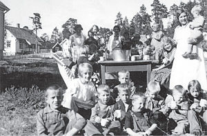 Hegra Fortress - A Red Cross holiday camp held at the deactivated fortress in 1939