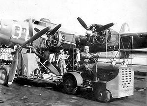 Hendricks Army Airfield - B-17 Engine maintenance