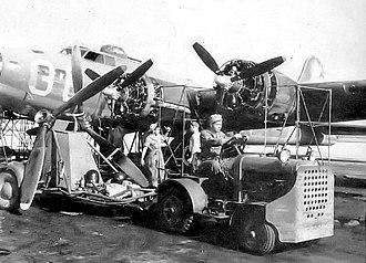 Hendricks Army Airfield - B-17 Engine maintenance
