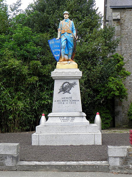 Monument aux morts de Hercé (53).