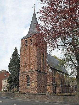 Straelen - Image: Herongen, die Sankt Amanduskirche Dm 7 foto 5 2013 04 30 17.30