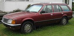 Holden Commodore SLX (1981-1984 VH series) 01.jpg