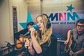 Hooverphonic bij MNM (met zangeres Luka Cruysberghs).jpg