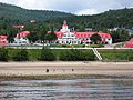 "Hotel en Tadoussac donde se rodó ""The Hotel New Hampshire"" - panoramio.jpg"