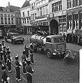 Installatie door burgemeester van Bergen op Zoom van het actiecomite Opgeruimd , Bestanddeelnr 911-9142.jpg