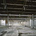 Interieur, overzicht van een ruimte in de fabriekshal op de eerste verdieping - Maastricht - 20385960 - RCE.jpg
