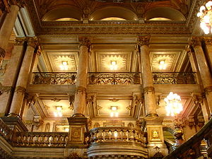 Theatro Municipal (Rio de Janeiro) - Inside the Theater: view from the staircase.