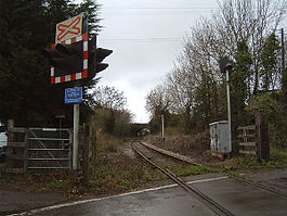 Iron Acton railway station 2004.jpg