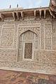 Itmad-Ud-Daulah's Tomb 05.jpg