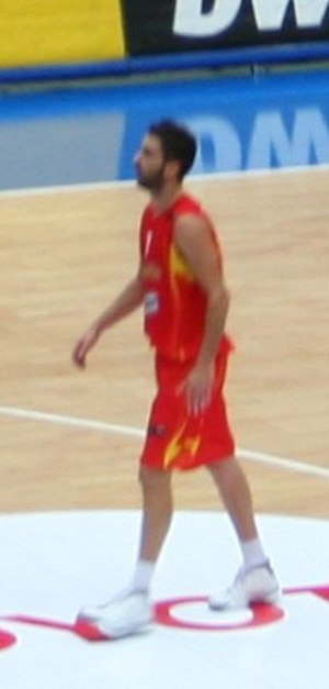 Juan Carlos Navarro (basketball) - Navarro playing for the Spanish national team.