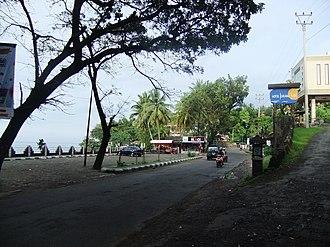 Sukabumi Regency - Image: Jalan di Pelabuhan Ratu