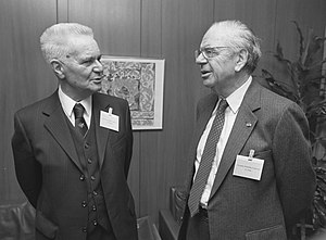 Jacques J. Polak - Jacques J. Polack and Jan Tinbergen (right)