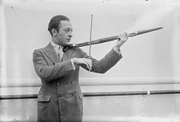 photo : Heifetz et son violon-canne