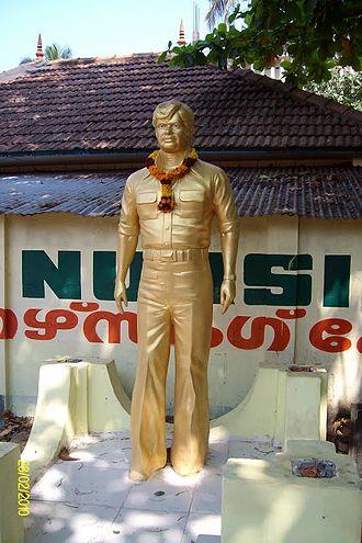 Jayan - Jayan's statue at his birthplace Olayil in Kollam