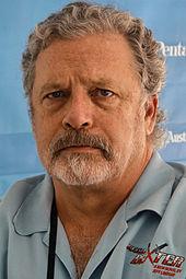 Lo scrittore Jeff Lindsay, creatore del personaggio letterario di Dexter Morgan.