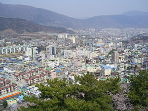 Jinhae-gu - Cityscape of downtown Jinhae, from Jehehwangsan Park