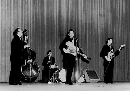 The Tennessee Three with Cash in 1963 Johnny Cash and The Tennessee Three 1963.JPG