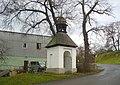Kaple na návsi v Domoušicích (Q37179985) 01.jpg
