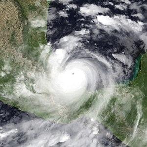 Hurricane Karl - Image: Karl 2010 09 17 1215Z